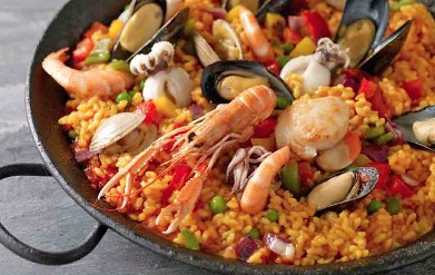 Paella de mariscos (with shellfish and fish)