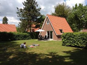 Landgoed eysinga state 272823,Casa de vacaciones grande en St. Nicolaasga, Friesland, Holanda  con piscina privada para 4 personas...