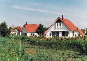 Landgoed eysinga state 272824,Casa de vacaciones grande  con piscina privada en St. Nicolaasga, Friesland, Holanda para 6 personas...