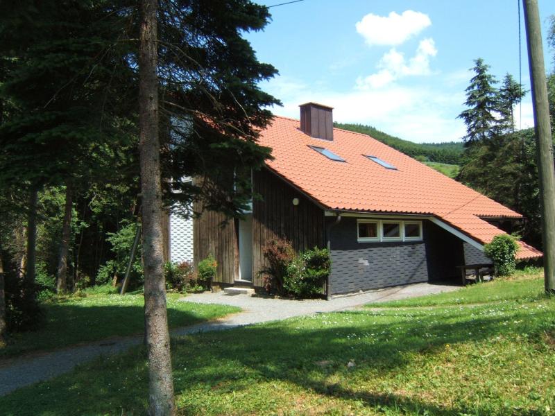 Valmetal 273083,Casa de vacaciones grande en Untervalme, Sauerland, Alemania  con piscina privada para 8 personas...