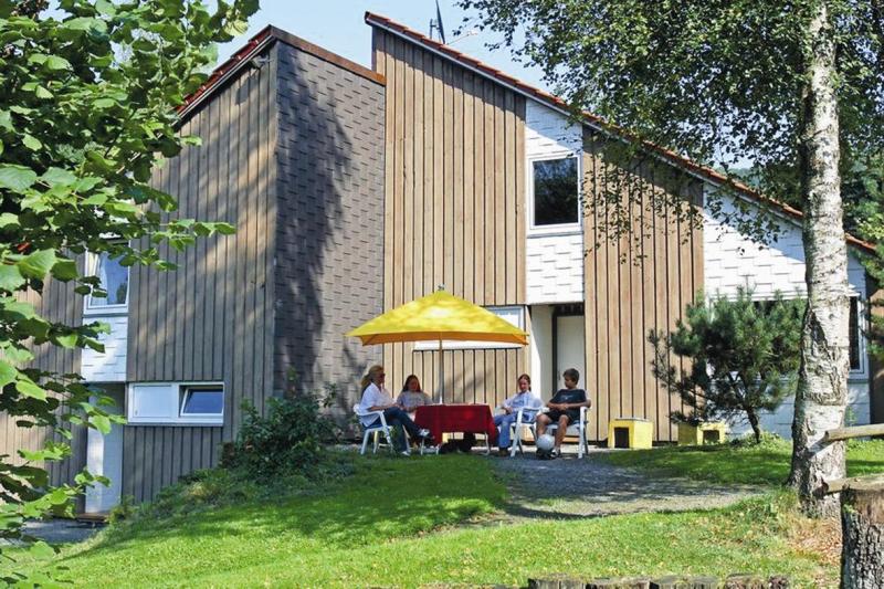 Valmetal 273085,Casa de vacaciones grande en Untervalme, Sauerland, Alemania  con piscina privada para 6 personas...