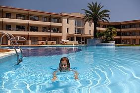 Golf beach 273498,Grand appartement  avec piscine privée à Playa de Pals, sur la Costa Brava, Espagne pour 4 personnes...