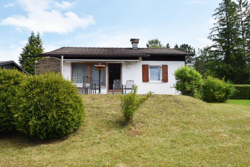 Weissensee 274315,Casa de vacaciones grande en Füssen, Bavaria, Alemania  con piscina privada para 4 personas...