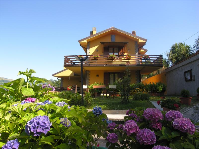 Tana dell istrice 274519,Apartamento grande en Cutigliano, en Toscana, Italia para 4 personas...