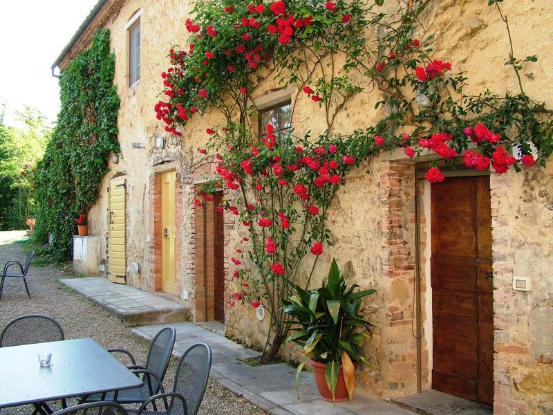 Agriturismo la moraia 274667,Apartamento grande  con piscina privada en Poggibonsi, en Toscana, Italia para 4 personas...