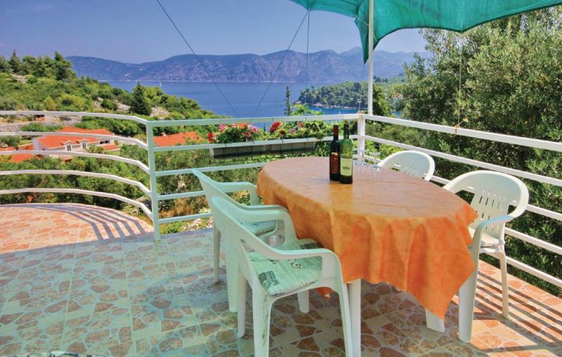 111515,Apartamento en Racisce, Dalmatia Islands, Croacia para 7 personas...