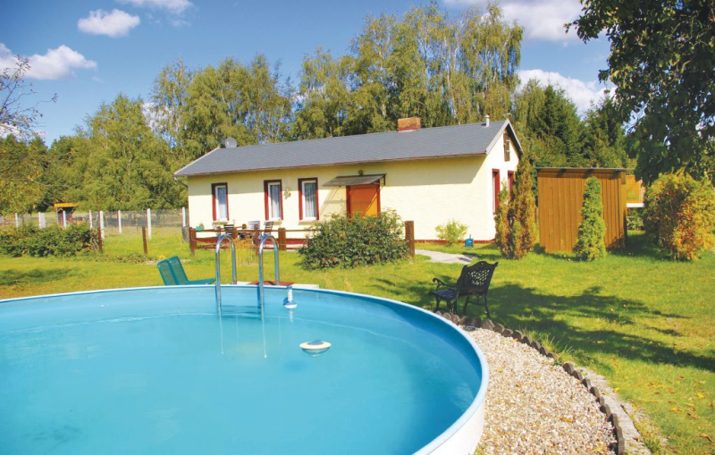 113076,Casa  con piscina privada en Schorfheide, Brandenburg, Alemania para 4 personas...