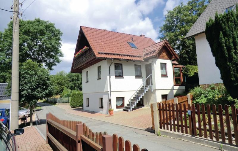 113432,Casa  con piscina privada en Auerbach-ot Rempesgrün, Vogtland-Ertsgebergte, Alemania para 10 personas...