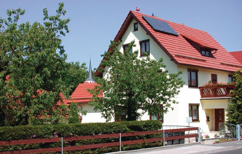 113550,Apartamento  con piscina comunitaria en Nahetal-Waldau, Thüringen, Alemania para 4 personas...