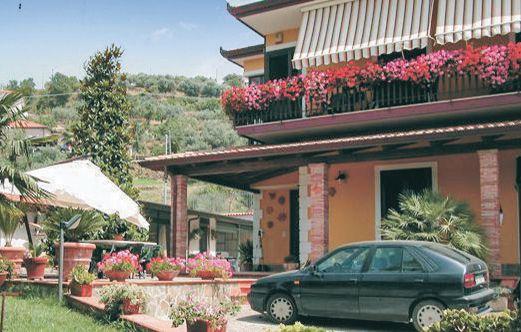 Casa mirella 116651,Apartamento en Castellabate Sa, Naples, Italia para 5 personas...