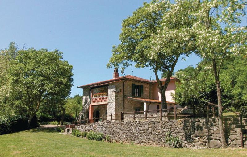 116773,Casa  con piscina comunitaria en Partina Ar, en Toscana, Italia para 11 personas...