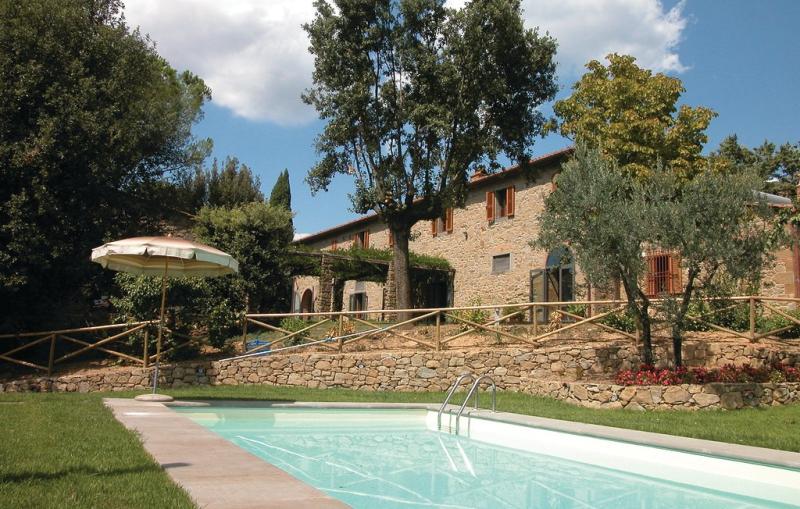 116776,Casa grande en Pergo Di Cortona Ar, en Toscana, Italia  con piscina privada para 8 personas...
