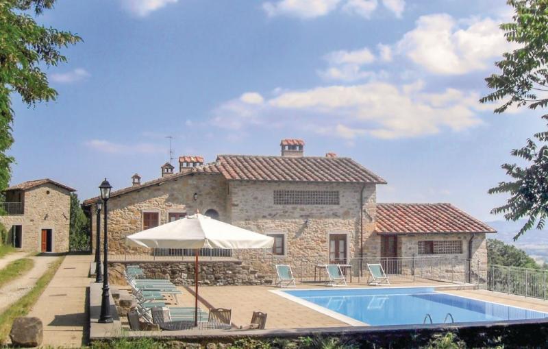 Cungi 116806,Casa grande en Sansepolcro Ar, en Toscana, Italia  con piscina privada para 30 personas...