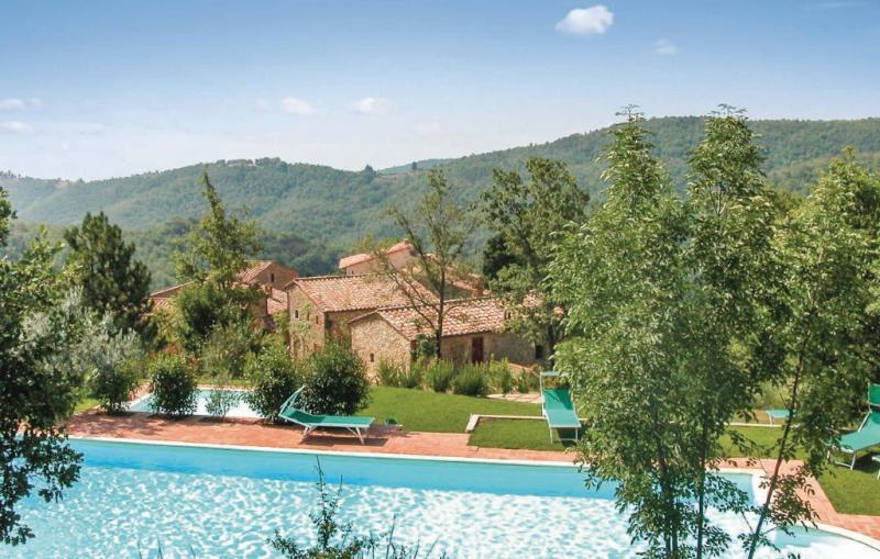 116882,Vivienda de vacaciones  con piscina privada en Gaiole In Chianti Si, en Toscana, Italia para 4 personas...