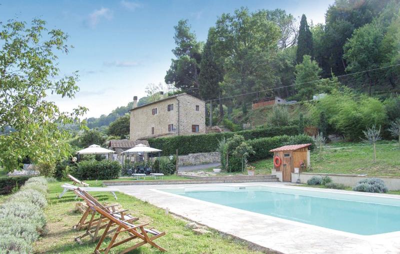 Le rose 117110,Apartamento  con piscina privada en Prato D´era Pi, en Toscana, Italia para 4 personas...