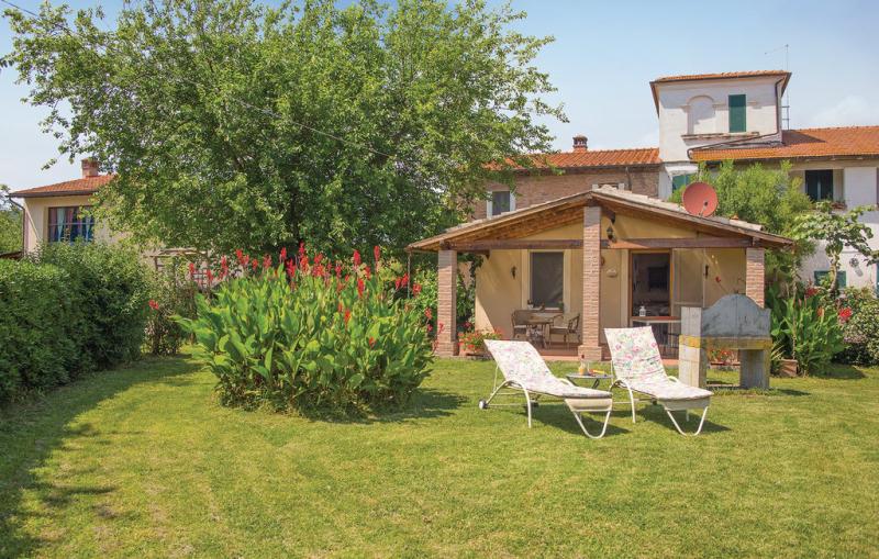 Il kiwi 117144,Casa en Fornacette Pi, en Toscana, Italia  con piscina privada para 3 personas...