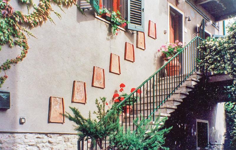 Il borghetto di chianni 117173,Apartamento  con piscina comunitaria en Chianni Pi, en Toscana, Italia para 4 personas...