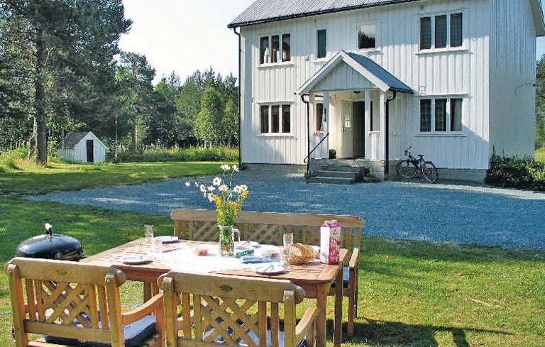 1110141,Casa en Høydalsmo, Telemark-Indre Agder, Noruega para 14 personas...