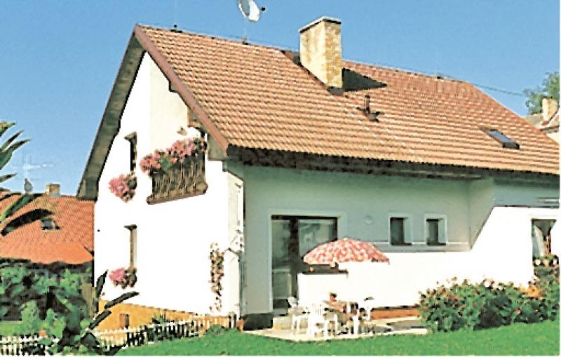 1115235,Apartamento en Cerna V Posumavi, Jihoceský kraj, Chequia para 4 personas...