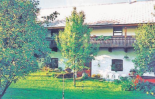 1115258,Casa  con piscina comunitaria en Vimperk, Jihoceský kraj, Chequia para 12 personas...
