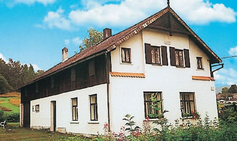 1115277,Casa  con piscina comunitaria en Zacler, Královéhradecký kraj, Chequia para 5 personas...