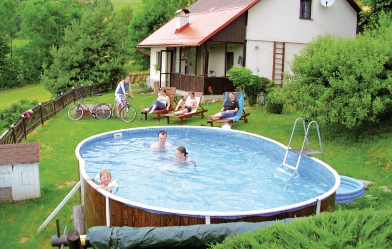1115315,Maison à Semily, Královéhradecký kraj, République Tchèque  avec piscine communale pour 6 personnes...