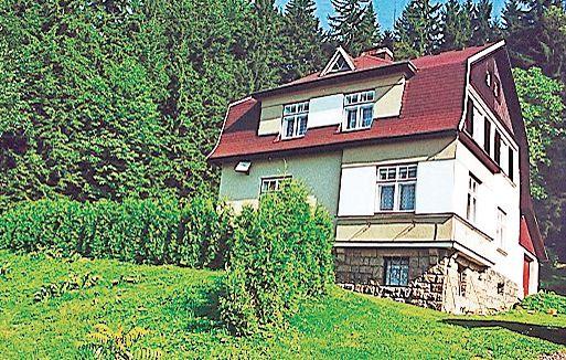 1115434,Maison à Tanvald, Královéhradecký kraj, République Tchèque  avec piscine communale pour 5 personnes...