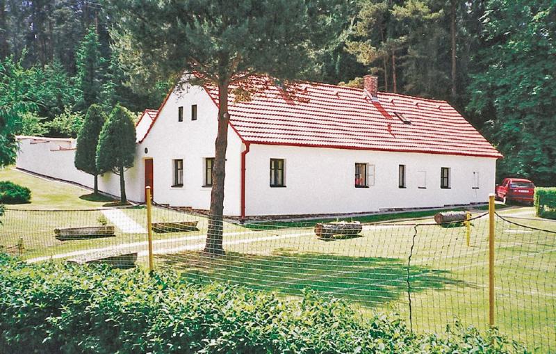 1115752,Casa en Rimov, Jihoceský kraj, Chequia  con piscina comunitaria para 8 personas...