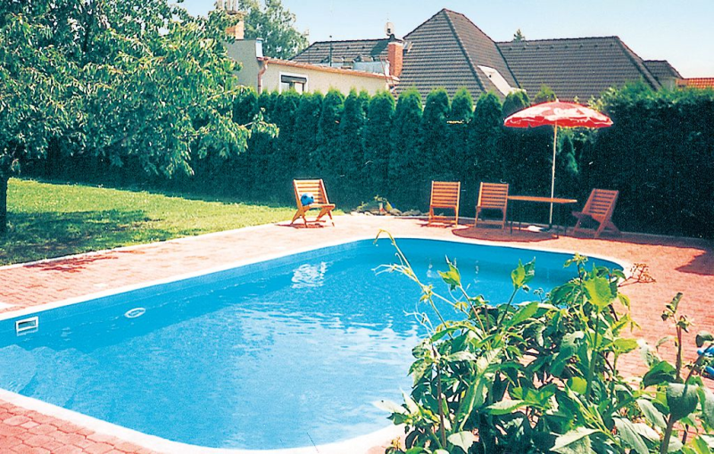 1115799,Casa  con piscina privada en Stirin, Prague and vicinity, Chequia para 9 personas...