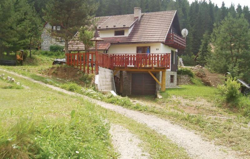 1116003,Casa en Strba, Tatra Mountains, Eslovaquia  con piscina comunitaria para 7 personas...