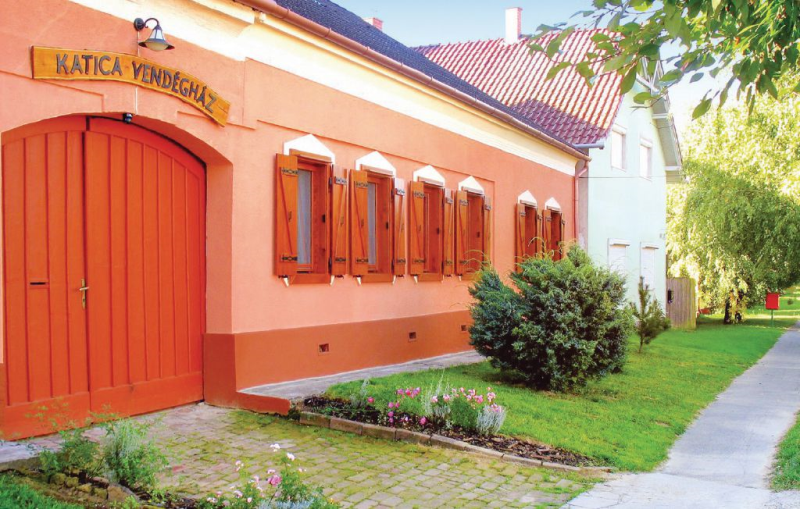 1116408,Vivienda de vacaciones  con piscina privada en Somogyvár, Balaton Somogy, Hungría para 10 personas...