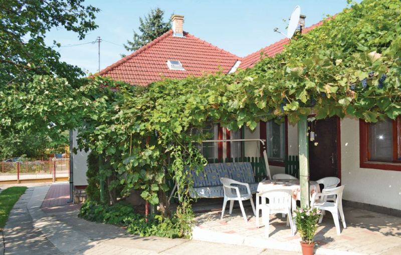 1116566,Vivienda de vacaciones en Siófok, Balaton Somogy, Hungría para 6 personas...