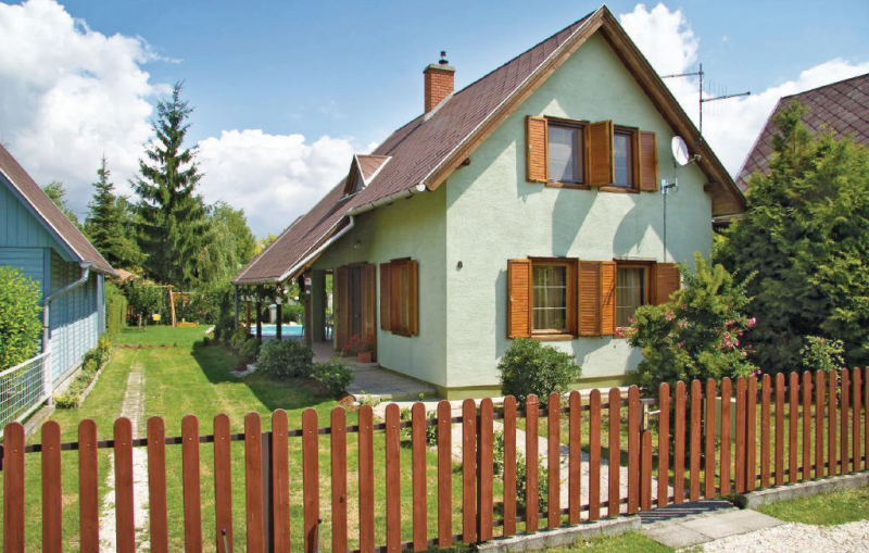 1116709,Holiday house  with communal pool in Lipót, Danube Island, Hungary for 6 persons...