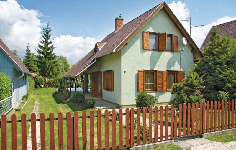 1116709,Vakantiewoning in Lipót, Danube Island, Hongarije  met gemeenschappelijk zwembad voor 6 personen...