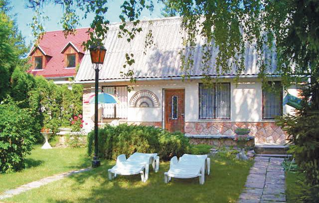 1116716, Holiday house  with communal pool in Pilismarót-Dunapart, Danube Bend, Hungary for 4 persons...