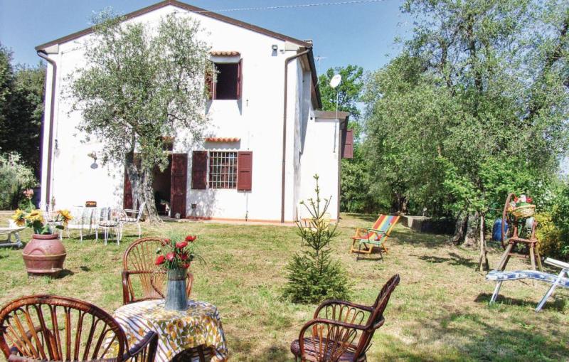 1117776,Casa  con piscina comunitaria en Forcoli-Palaia Pi, en Toscana, Italia para 8 personas...