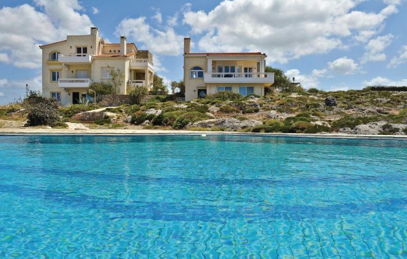 1119495,Apartamento  con piscina privada en Chania-kreta, Crete, Grecia para 5 personas...
