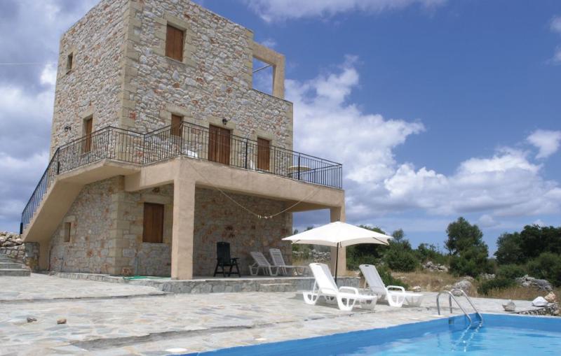 1119541,Vivienda de vacaciones  con piscina privada en Kalamate, Peloponese, Grecia para 6 personas...