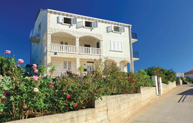 1137382,Apartamento en Vela Luka, Dalmatia Islands, Croacia para 4 personas...