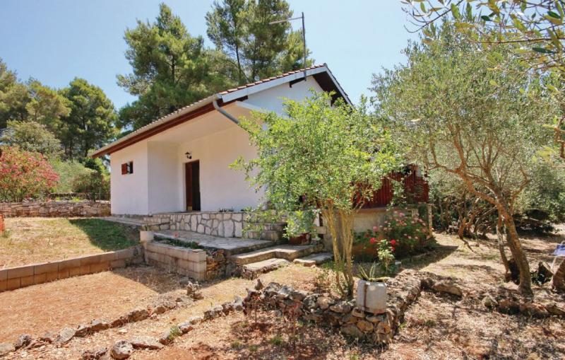 1137393,Casa en Vela Luka, Dalmatia Islands, Croacia  con piscina privada para 6 personas...