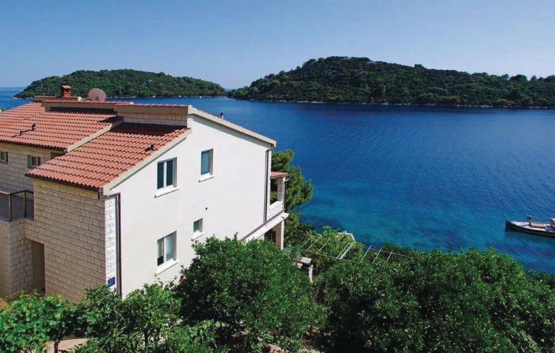 1137400,Apartamento en Blato, Dalmatia Islands, Croacia para 2 personas...