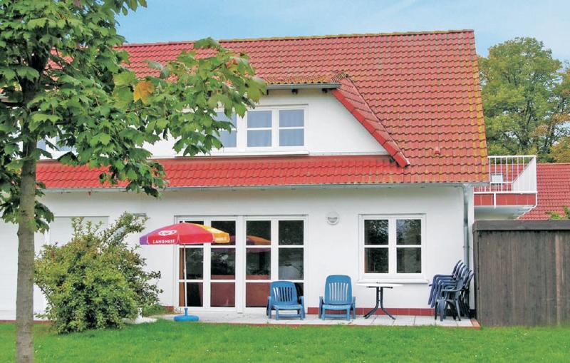 Landhaus residenz 1137863,Vivienda de vacaciones en Losentitz, Rügen, Alemania para 9 personas...