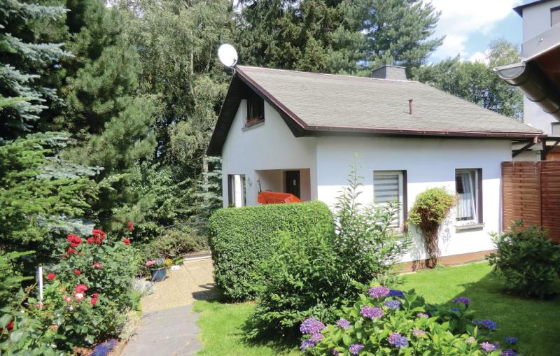 1137891,Casa en Auerbach, Vogtland-Ertsgebergte, Alemania  con piscina comunitaria para 4 personas...