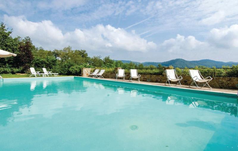 Magnolia 1138520,Apartamento en Greve In Chianti Fi, en Toscana, Italia  con piscina comunitaria para 5 personas...