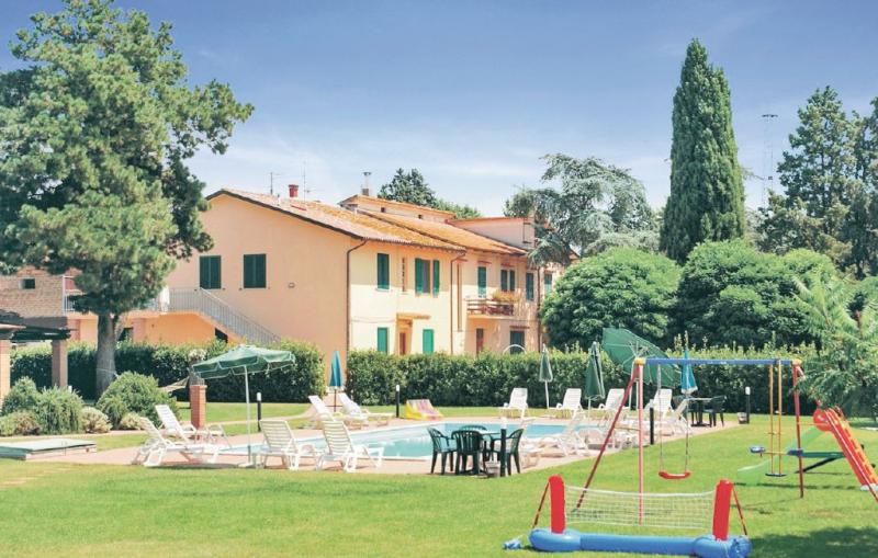 Oasi 2 1138591,Apartamento  con piscina privada en Castiglione D.lago Pg, Umbria, Italia para 5 personas...