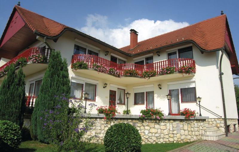 1139528,Appartement in Héviz, Balaton Felvidek, Hongarije voor 2 personen...