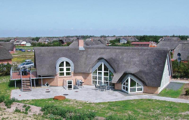 1140489,Casa en Blåvand, West Jutland, Dinamarca  con piscina privada para 12 personas...