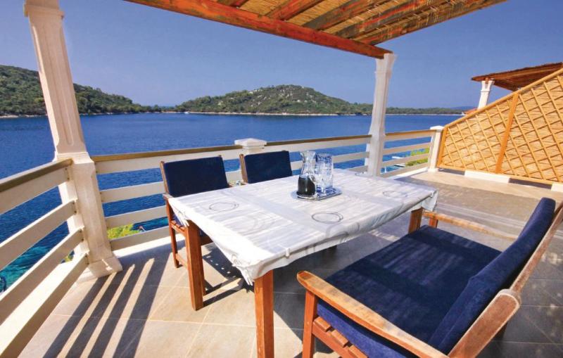 1140728,Apartamento en Blato, Dalmatia Islands, Croacia para 5 personas...