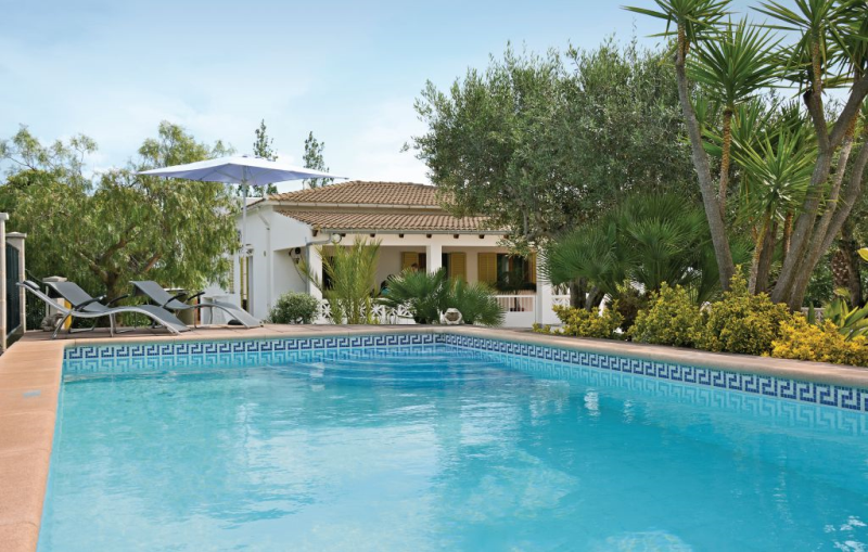 1140954,House  with private pool in Alcúdia, Mallorca, Spain for 6 persons...