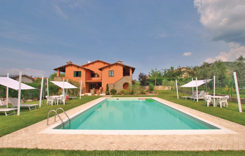 Casa macinarino  app 7 1141203,Apartamento en Loro Ciuffenna Ar, en Toscana, Italia  con piscina privada para 4 personas...